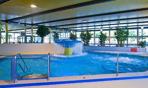 Hallenbad badeparadies zweibr cken for Piscine badeparadies